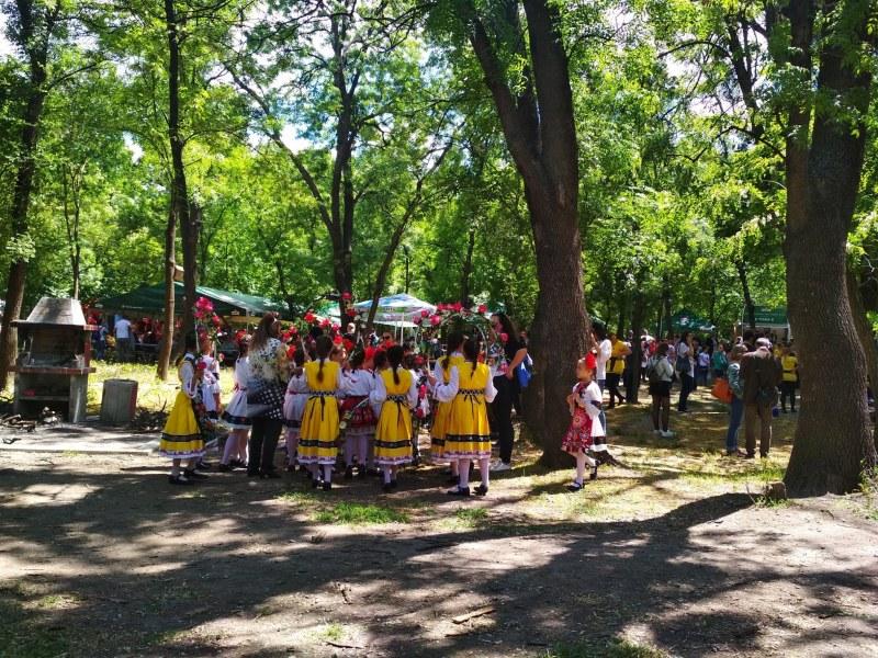 Хоротека на открито за майстори очаква гостите на събора в пловдивското село Марково