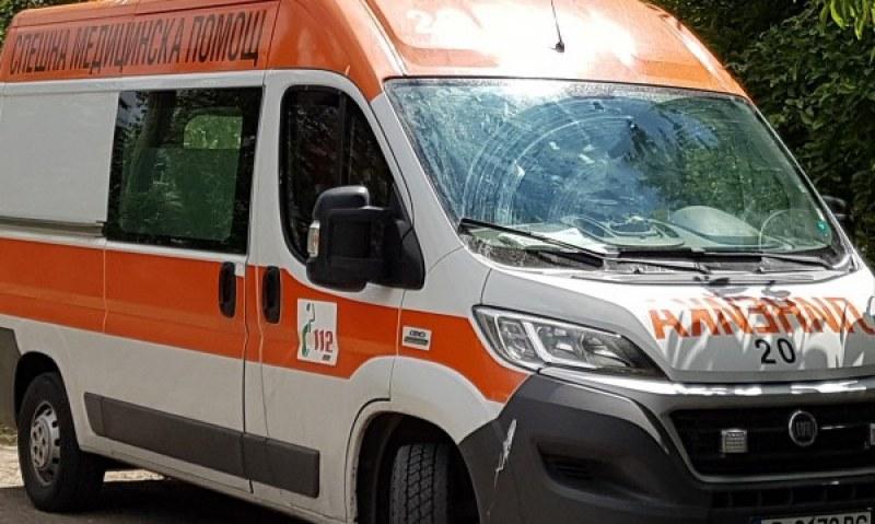 Фоксваген се преобърна край Пловдив, шофьорът е в тежко състояние