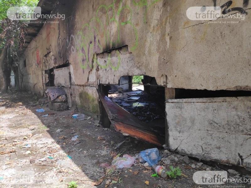 Пловдивската пожарна два пъти днес гаси пожар в Гарнизонна фурна СНИМКИ