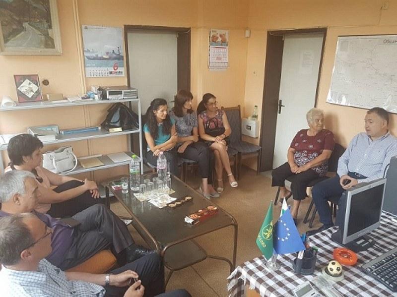 Община Карлово изнесе приемната си в село Богдан, обсъди важни въпроси с жителите