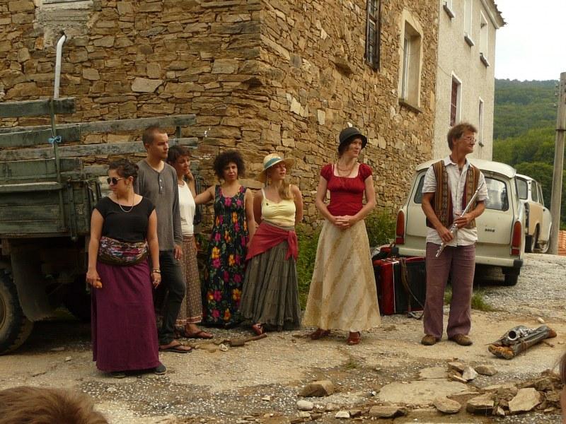"""""""Шепоти от родопски приказки"""" събират в две пловдивски села артисти от цяла Европа"""