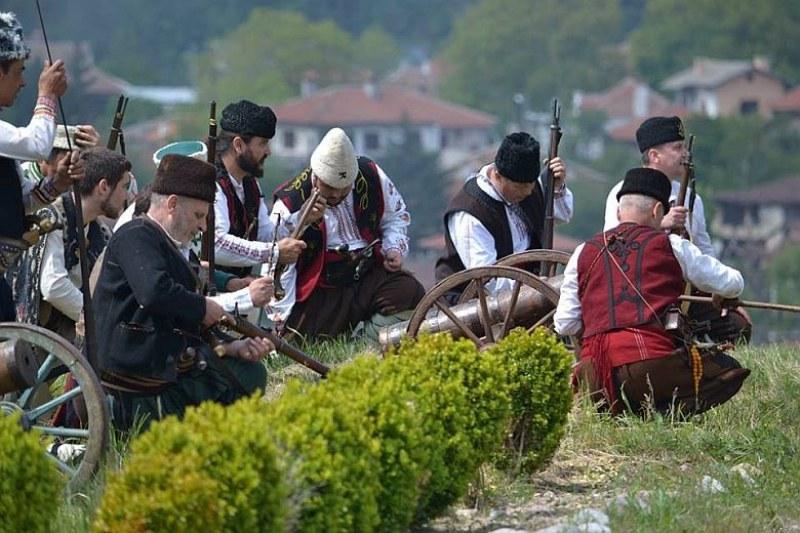 Хайдушко сборище край Хисаря прославя силния дух и родолюбието на българите
