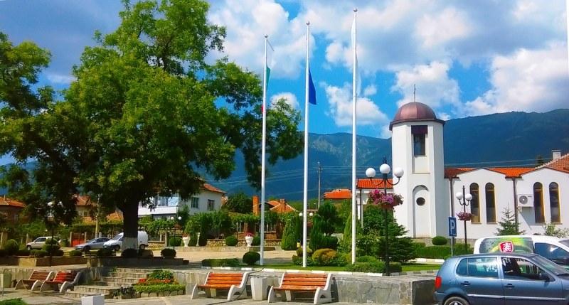 Крадец посегна на кутията с дарения в църква край Сопот