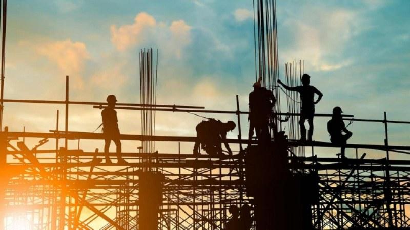 Шивачи и строители се търсят в Асеновград, бюрото по труда предлага над 120 позиции