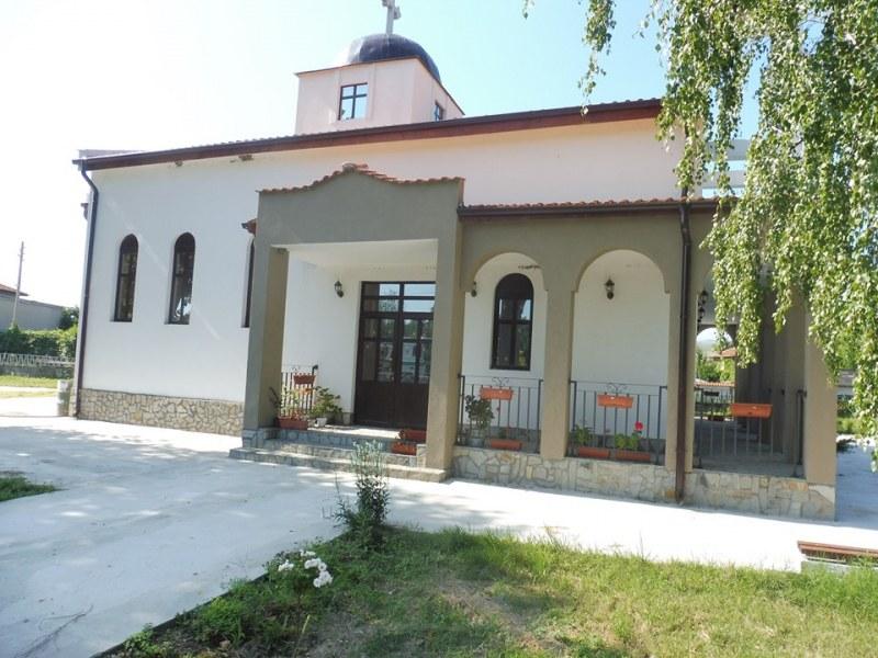 Нова църква край Стамболийски скоро отваря врати