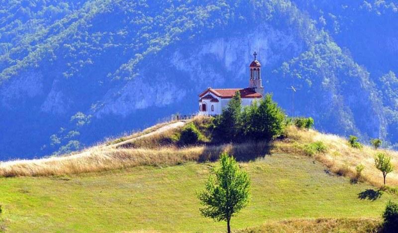 Родопската магия на село Борово, която спира дъха СНИМКИ