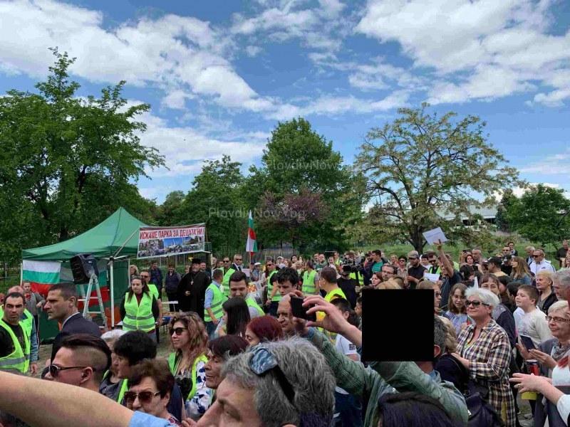 Бранителите на парка в Кършияка напират за местния парламент, издигат и райкмет