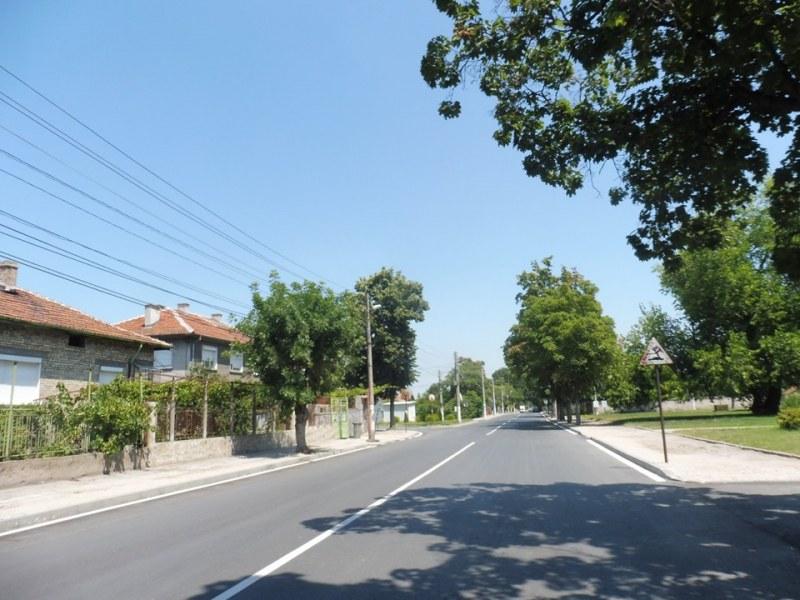 В Стамболийски замириса на асфалт, най-голямата улица е готова