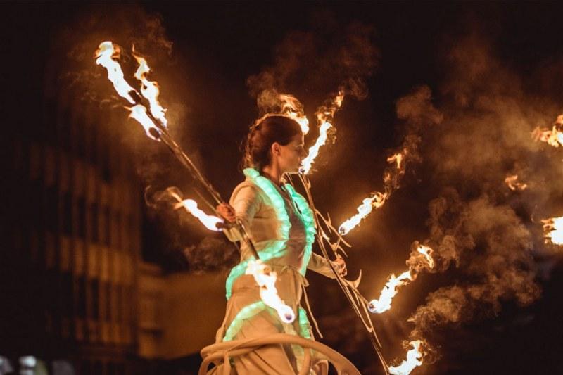 Съвременен цирк, улична магия, парад на кокили и огнено шоу завладяват кв.Капана през септември