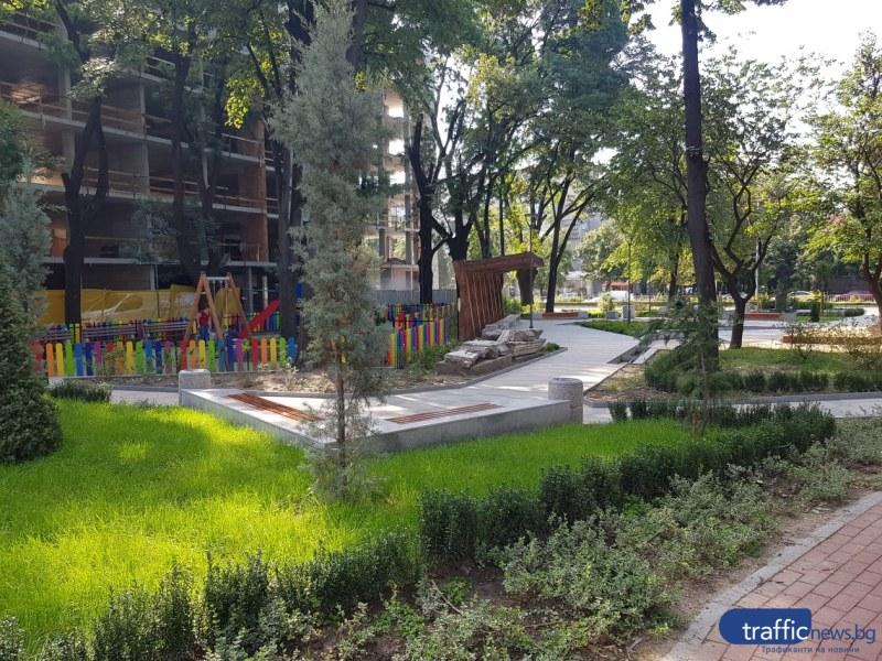 """Преди и сега: Преобразяването на площад """"Св. Петка"""" е на финалната права ФОТОГАЛЕРИЯ"""