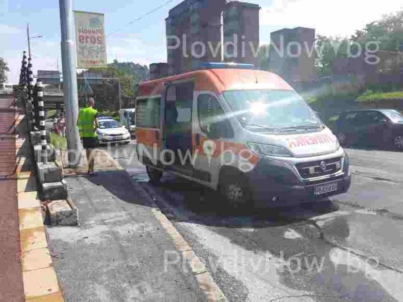Тежка катастрофа на Коматевско шосе, пристигнаха полиция и линейка