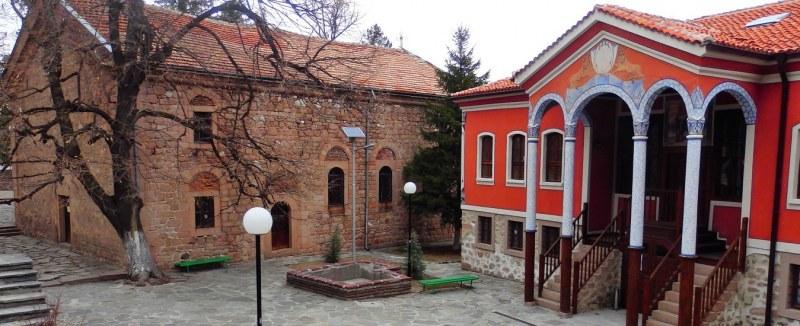 Безплатният WiFi на обществени места в Перущица е вече факт