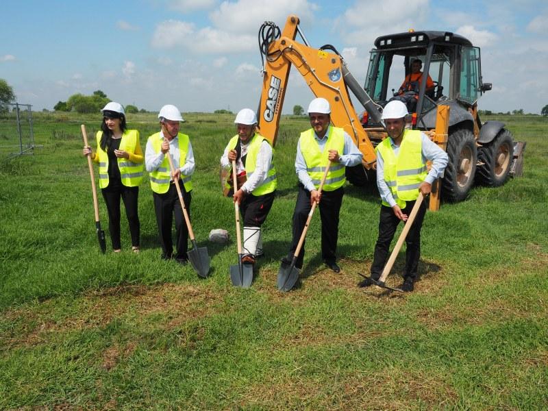 Първа копка даде старт на строеж на 14 декара компостираща инсталация в района на Чарлъшките ливади