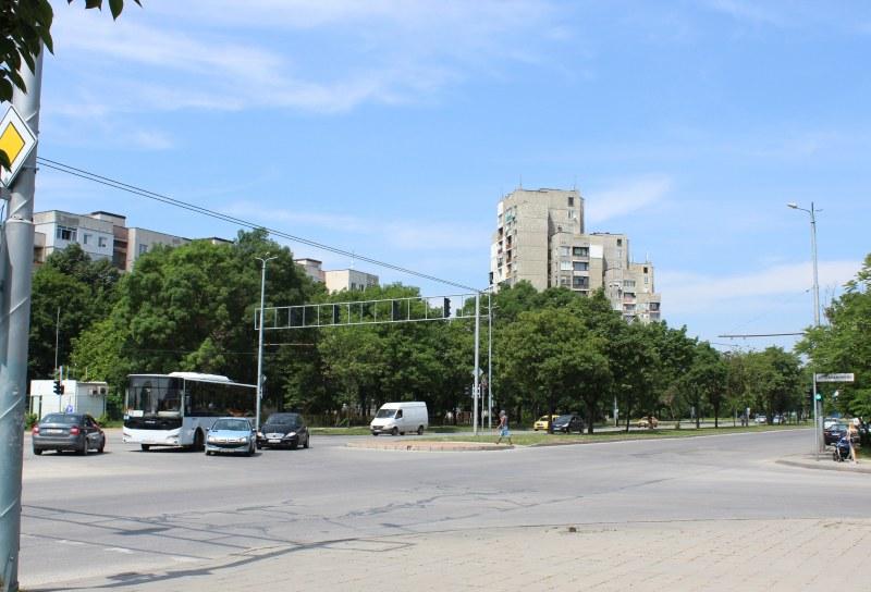 Авария затруднява движението на натоварено кръстовище в Тракия до края на седмицата