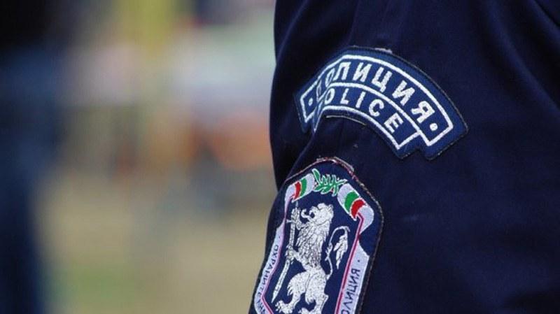 Мобилни полицаи посещават села край Хисаря и Калояново през месец август