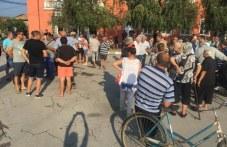 Жителите на Крушево отказват да умъртвят прасетата си, подкрепиха ги много хора от Първомайско