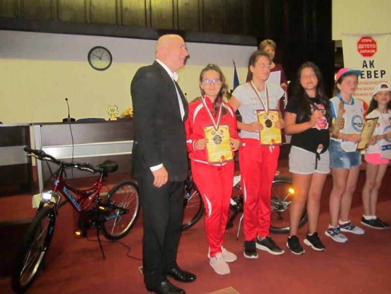 Ученици от Първомай влязоха в националния отбор по колоездене
