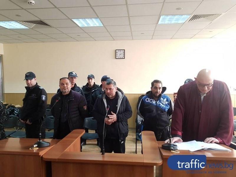 Дилърът Кадри от Кричим, заловен в Столипиново с половин килограм хероин, застава пред съда