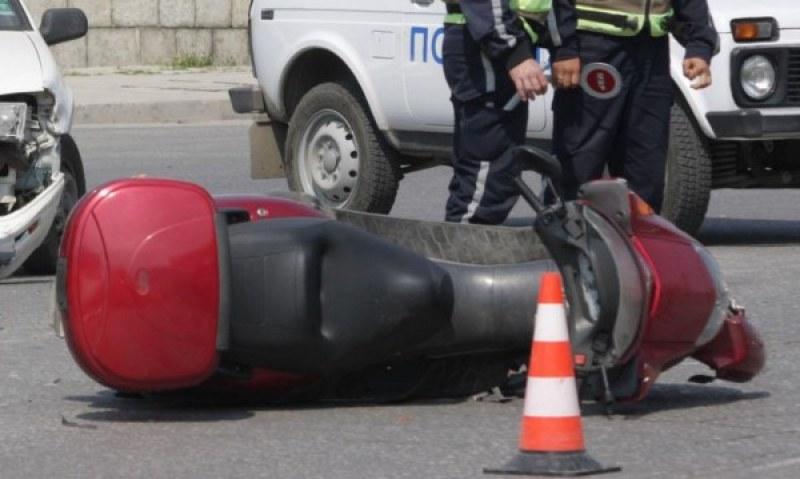 Издъхна едно от момчетата, катастрофирали с мотопеди край Хисаря