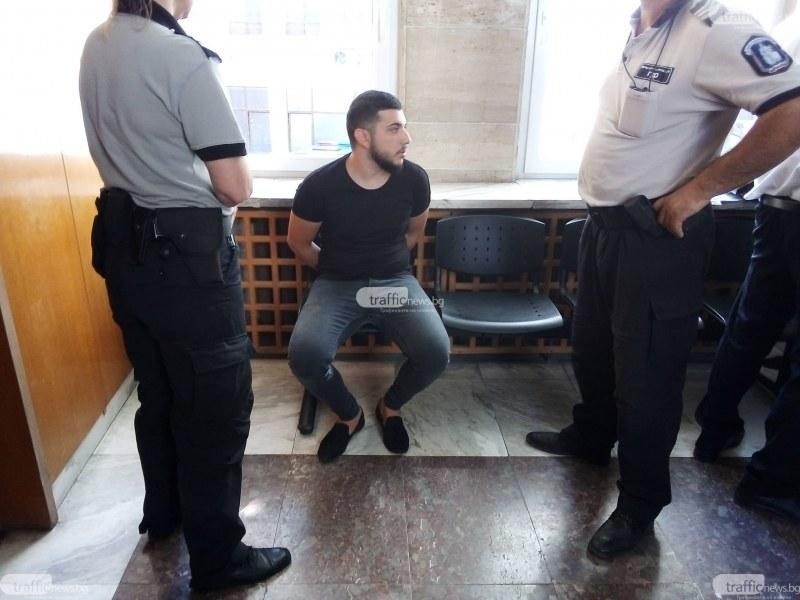 Александър, убил таксиметров шофьор на Адата, твърди, че не е бил зад волана