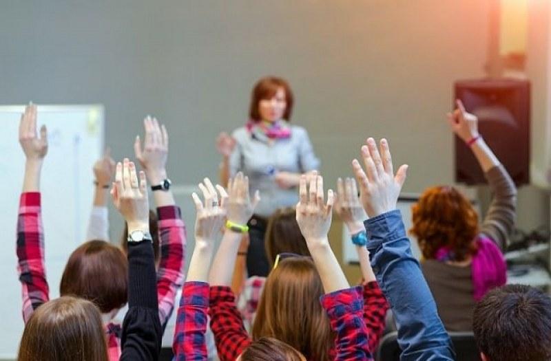 """44-ма учители се търсят в община """"Родопи"""" и десетки работници със средно и по-ниско образование"""
