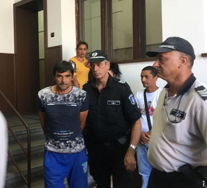 Неграмотен и с фалшива книжка е убиецът на Ерол край Асеновград, съдът го остави зад решетките