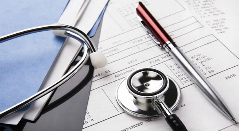 Зрелостниците сами плащат здравните си осигуровки през лятото, изтича срокът за първата вноска