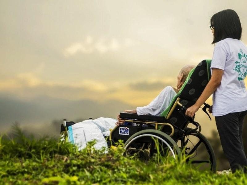 Лична помощ за хора в нужда предоставят в Перущица, търсят се и асистенти