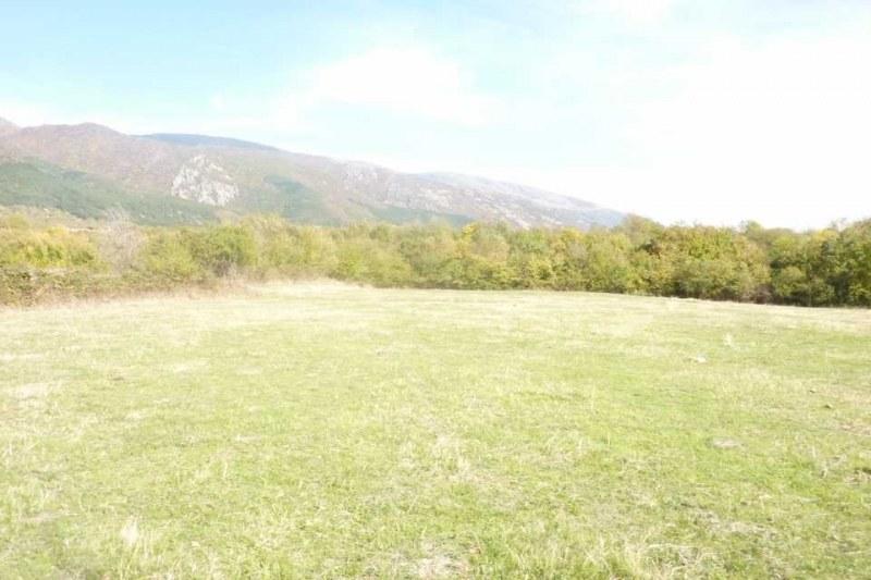 Насрочено е заседанието за собственост и ползване на земеделските земи край Перущица