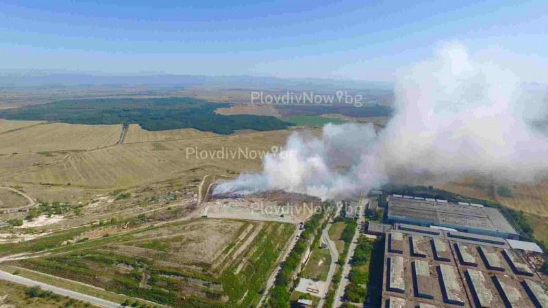 Полиция и прокуратура влизат в горящия завод в Шишманци