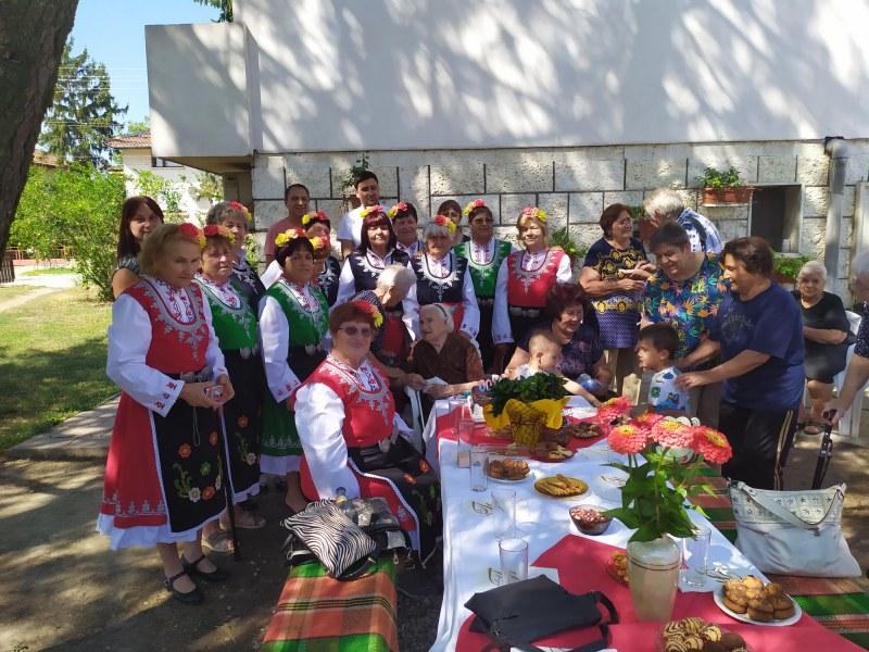Цяло село край Стамболийски празнува юбилея на първата си столетница