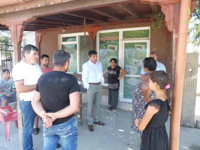 Проверки в ромската махала в Ново село, глобяват за шум и незаконна търговия