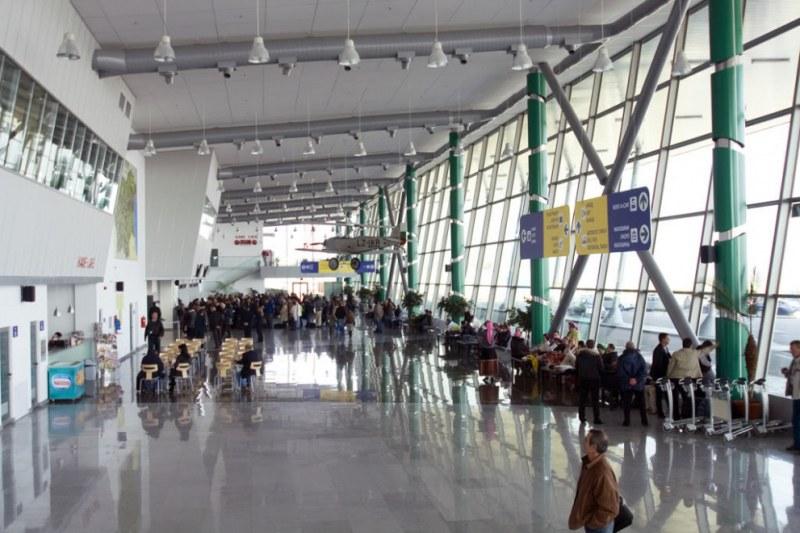 Засилени мерки на летище Пловдив заради бомбените заплахи