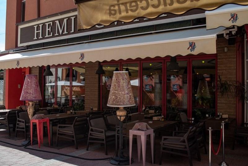 """17 години """"Хемингуей"""" – институцията за формиране на вкусове в Пловдив"""