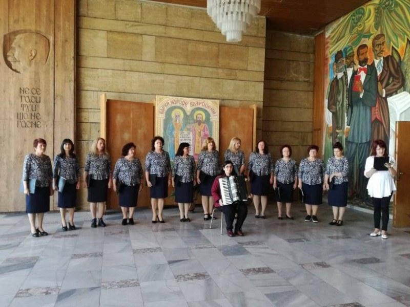 Дамите от камерния хор в Сопот очакват новия сезон, групата е най-младата рожба на читалището
