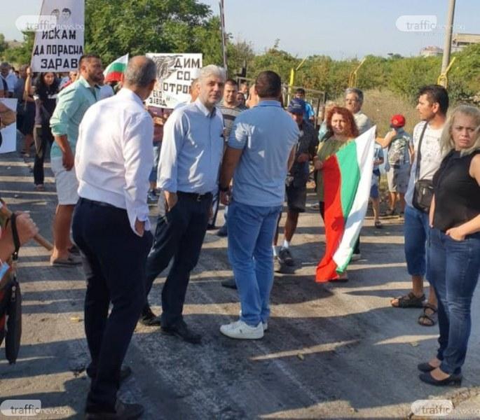 Министър Нено Димов: Заводът в Шишманци няма да бъде затворен, но ще се забрани директното депониране