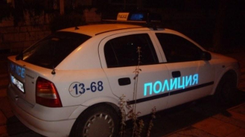 Хванаха в крачка крадци, докато източват нафта край Раковски
