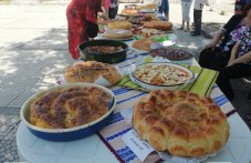 """Двоен повод събра гости в село Кръстевич - празник на хляба в селото и курбан за здраве на хижа """"Бунтовна"""""""