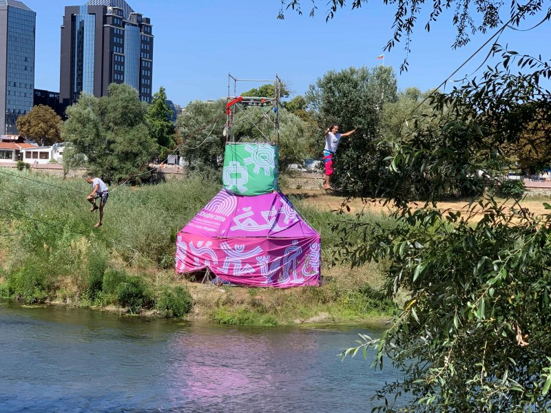 """300 смелчаци се записаха в забавните игри при старта на """"Празника на реката""""!"""