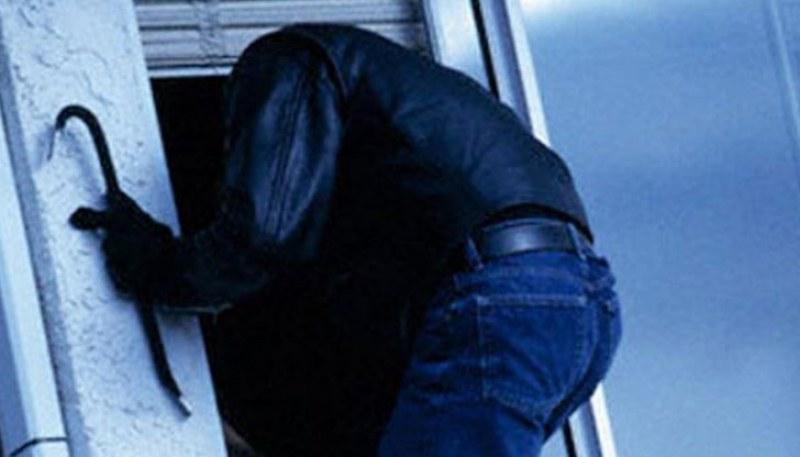 Възрастна жена от Първомай едва не стана жертва на грабеж, хванаха крадеца в крачка