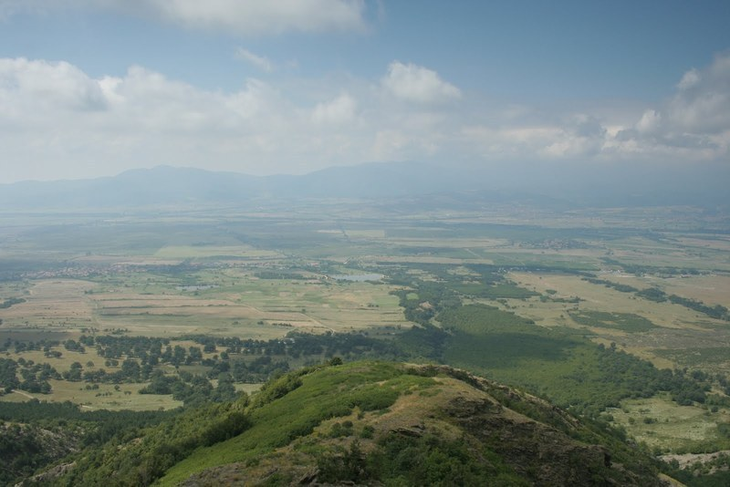 Община Сопот продава на търг два земеделски имота