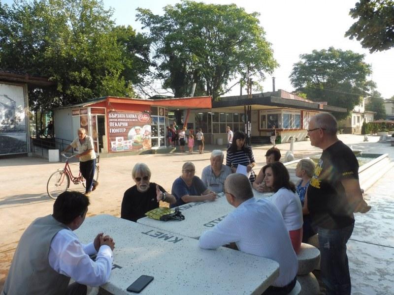 Над 50 души посетиха откритата общинска приемна в Стамболийски след летните отпуски