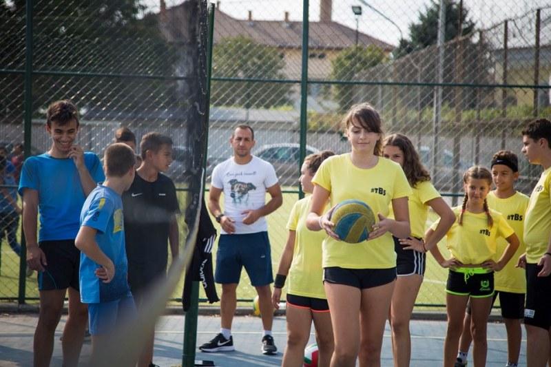 """Волейболният турнир """"Съединение за децата"""" в Раковски завърши с три заслужени медала"""