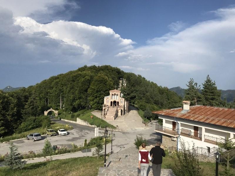 В нощта срещу 14 септември на Кръстова гора стават чудеса