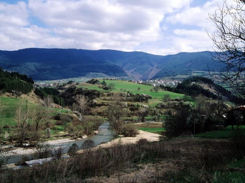 Забранена е всякаква туристическа дейност в районите на няколко родопски села
