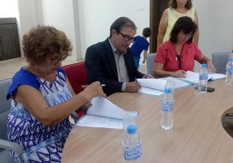 Колективен договор в Асеновград пази интересите на медицинските специалисти в училища и детски заведения