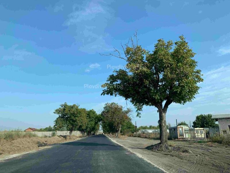 Пътят за Стамболийски асфалтиран, но все още затворен, шофьорите нямат търпение