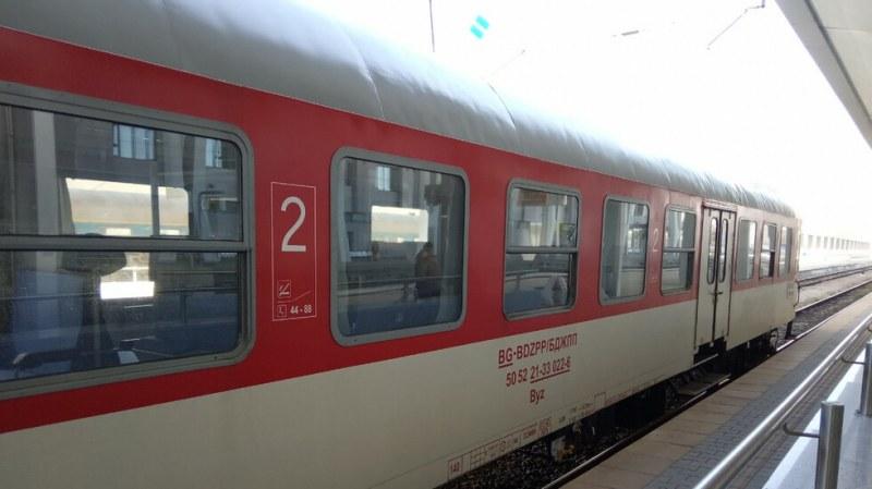 Влак блъсна млада жена на велосипед в Пловдив