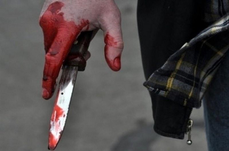 Пиян ревнивец наръга с нож бившата си приятелка край Калояново, жената се бори със смъртта