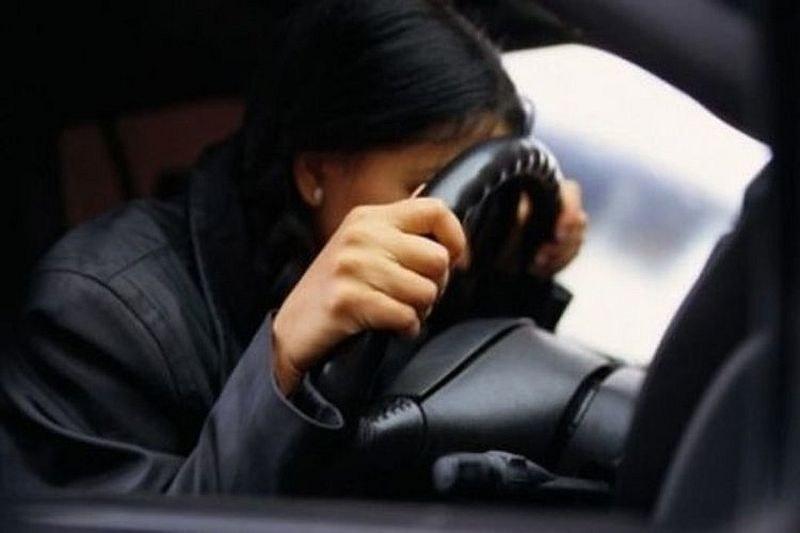 Пияна млада жена с Мерцедес потроши две коли в Пловдив, щракнаха й белезниците